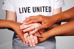 Live_United_Hands2_0